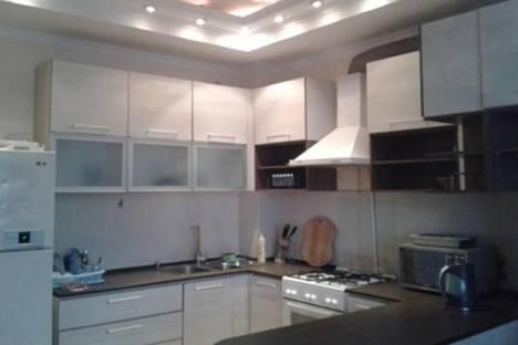 Сдается 4-комнатная квартира посуточно в Бишкеке, ул. Тимирязева,  80.