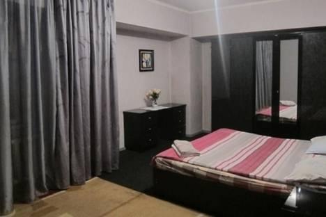 Сдается 2-комнатная квартира посуточно в Бишкеке, ул. Советская, д. 105, корп. 1.