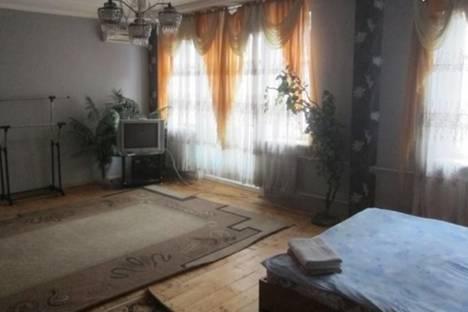 Сдается 2-комнатная квартира посуточно в Бишкеке, Советская, 119.