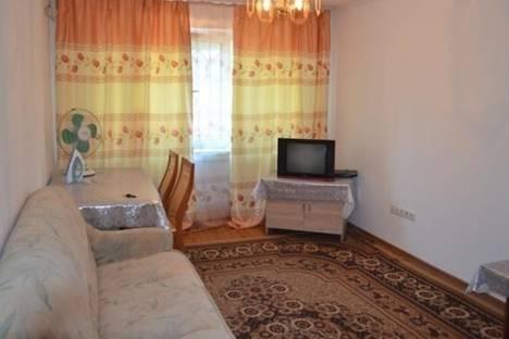 Сдается 2-комнатная квартира посуточно в Бишкеке, ул. Манасчы Сагынбая, д. 221.