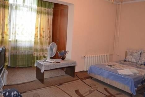 Сдается 1-комнатная квартира посуточно в Бишкеке, Восток-5 микрорайон, д. 21.