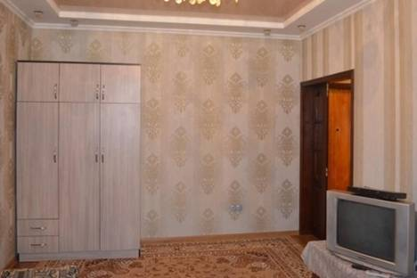 Сдается 2-комнатная квартира посуточно в Бишкеке, Юг-2 микрорайон, д. 24.