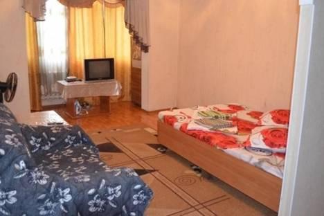 Сдается 1-комнатная квартира посуточно в Бишкеке, Восток-5 микрорайон, д. 29.