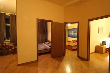 Сдается 4-комнатная квартира посуточно в Москве, ул. Арбат, 51с1.