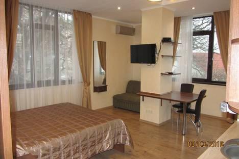 Сдается 1-комнатная квартира посуточнов Кореизе, Алупкинское шоссе, 58.