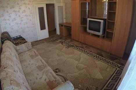 Сдается 2-комнатная квартира посуточнов Чебоксарах, Тракторостроителей проспект, 60.