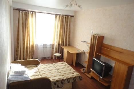 Сдается 1-комнатная квартира посуточнов Чебоксарах, Тракторостроителей проспект, 64.