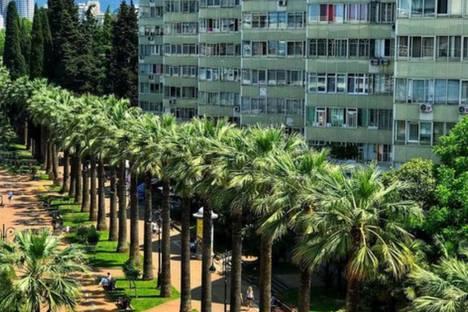 Сдается 2-комнатная квартира посуточно в Сочи, Ул. Навагинская 16.