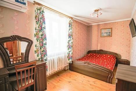 Сдается 3-комнатная квартира посуточнов Коктебеле, чкалова 92.