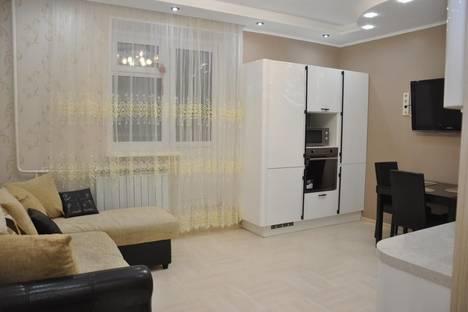 Сдается 2-комнатная квартира посуточно в Салехарде, Республики 76.