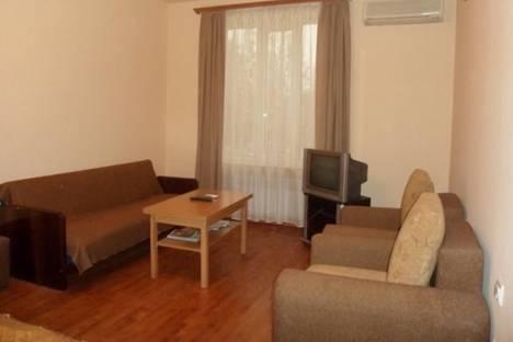Сдается 1-комнатная квартира посуточно в Ереване, ул. Абовян, д. 26, корп. 2.