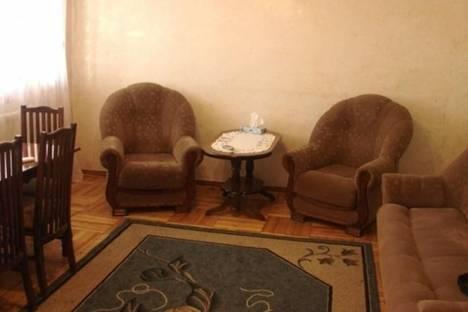 Сдается 2-комнатная квартира посуточно, Ерванда Кочара, д. 5, корп. 1.