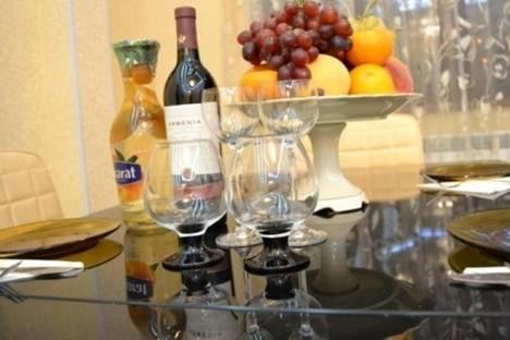 Сдается 4-комнатная квартира посуточно в Ереване, проспект Саят-Новы, 33.