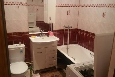 Сдается 3-комнатная квартира посуточно в Благовещенске, улица Ломоносова 223.