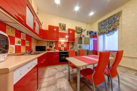 Сдается 3-комнатная квартира посуточнов Санкт-Петербурге, Невский проспект, 109.