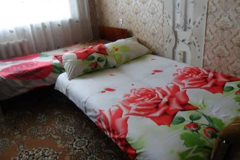 Сдается 2-комнатная квартира посуточно в Вольске, ул. Саратовская, д. 12/28.