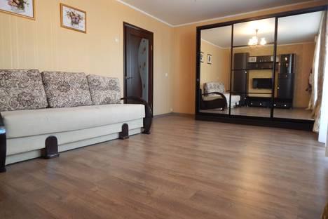 Сдается 1-комнатная квартира посуточно, Фадеева, 25.