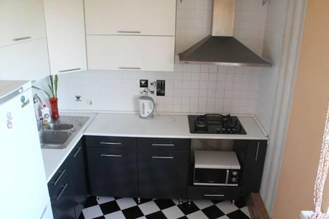 Сдается 1-комнатная квартира посуточно в Белгороде, ул. Есенина 32.
