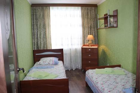 Сдается 2-комнатная квартира посуточнов Дивееве, ул. Симанина, 2.