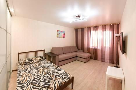 Сдается 1-комнатная квартира посуточнов Кургане, М-Горького 61.