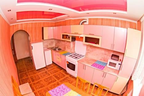 Сдается 4-комнатная квартира посуточно в Саранске, ул. Красноармейская, 48.