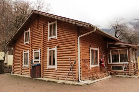 Сдается коттедж посуточно в Красной Поляне, Березовая, 12.