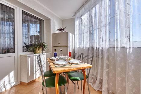 Сдается 3-комнатная квартира посуточно в Краснодаре, ул. им Суворова, 74.