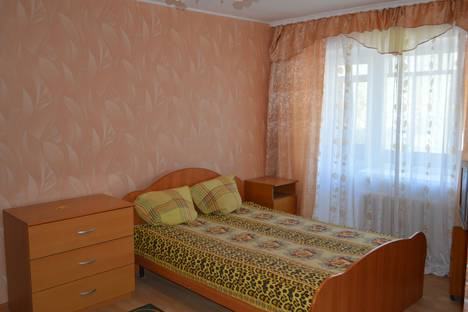Сдается 1-комнатная квартира посуточно, станционная 47.