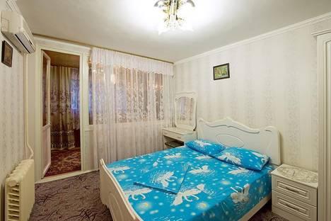 Сдается 2-комнатная квартира посуточнов Сочи, ул. Грибоедова, 17.