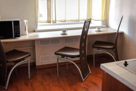 Сдается 2-комнатная квартира посуточно в Челябинске, Кирова, 167.