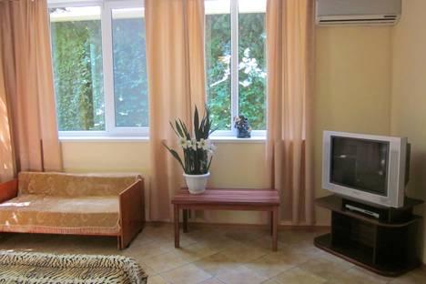 Сдается 3-комнатная квартира посуточно в Гурзуфе, Ленинградская 78.