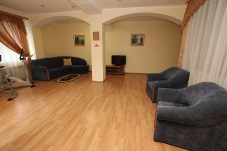 Сдается 2-комнатная квартира посуточно в Ялте, Дражинского, 12.