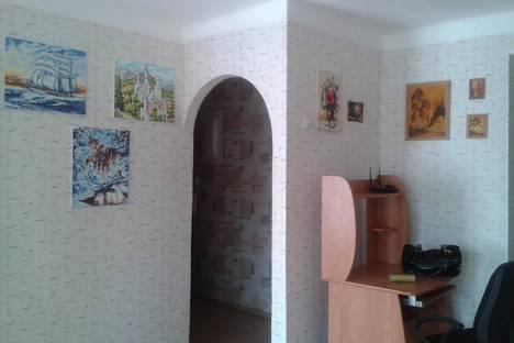 Сдается 2-комнатная квартира посуточнов Небуге, М. Жукова 20.