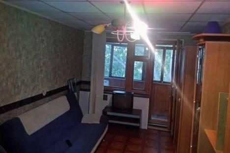 Сдается 2-комнатная квартира посуточно в Новокуйбышевске, Островского, 19.