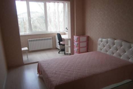 Сдается 2-комнатная квартира посуточно в Алуште, Красноармейская, 7.