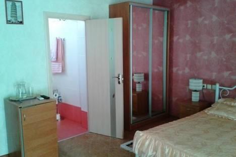 Сдается 2-комнатная квартира посуточно в Алуште, Ленина, 25.