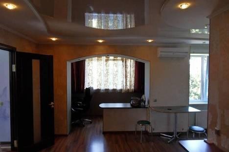 Сдается 2-комнатная квартира посуточно в Алуште, Ленина, 51.