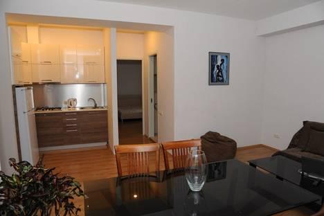 Сдается 3-комнатная квартира посуточно, Pavle Ingorokva Street, 18-20.