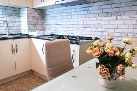Сдается 3-комнатная квартира посуточно, улица Марджанишвили 16а.