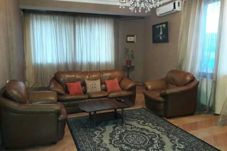 Сдается 3-комнатная квартира посуточно, улица Шевченко 5.