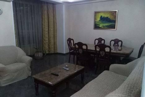 Сдается 4-комнатная квартира посуточно в Тбилиси, улица Марджанишвили 16а.