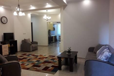 Сдается 4-комнатная квартира посуточно, улица Миротадзе 8.
