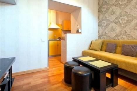 Сдается 2-комнатная квартира посуточнов Тбилиси, пр. Руставели, 16, к. 1.