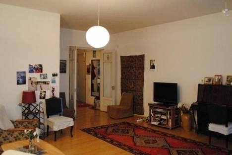 Сдается 2-комнатная квартира посуточнов Тбилиси, пр. Руставели, 5.
