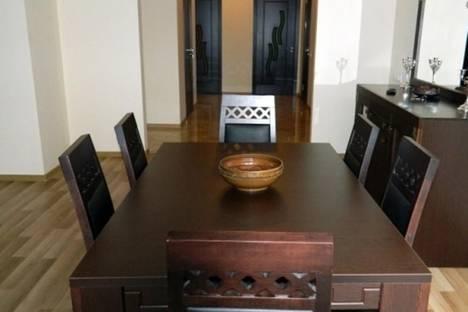 Сдается 4-комнатная квартира посуточнов Тбилиси, Кучишвили, 2, к. 2.