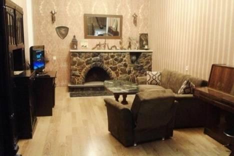 Сдается 3-комнатная квартира посуточно в Тбилиси, Мераб Костава, 23.