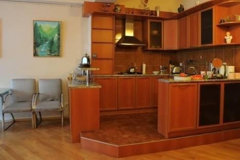 Сдается 3-комнатная квартира посуточно в Тбилиси, Мтацминдский переулок, 9/11.