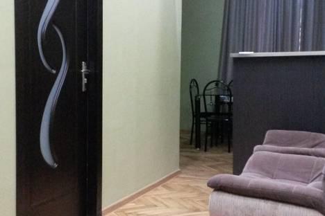 Сдается 4-комнатная квартира посуточно в Тбилиси, ул. Георгия Леонидзе, 11/2.