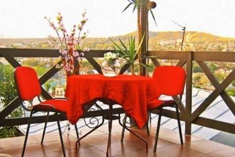 Сдается 4-комнатная квартира посуточно в Тбилиси, Гоми, 3а.