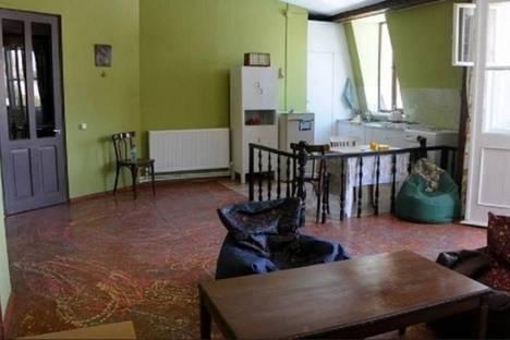 Сдается 4-комнатная квартира посуточно в Тбилиси, Шалва Дадиани, 26.